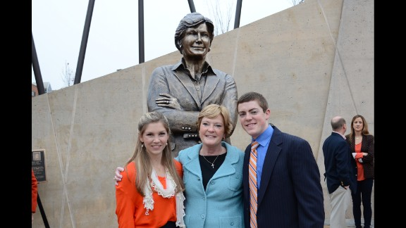 Tyler and his wife, AnDe Ragsdale Summitt, met in sixth grade and began dating their junior year of high school. The couple married on June 1, 2013. Pat Summitt speaks with AnDe about the rigors coaching can take on a marriage.