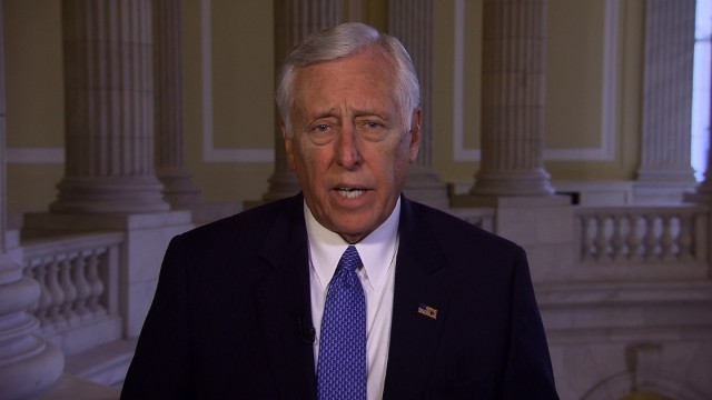 Hoyer: Obama should act on immigration