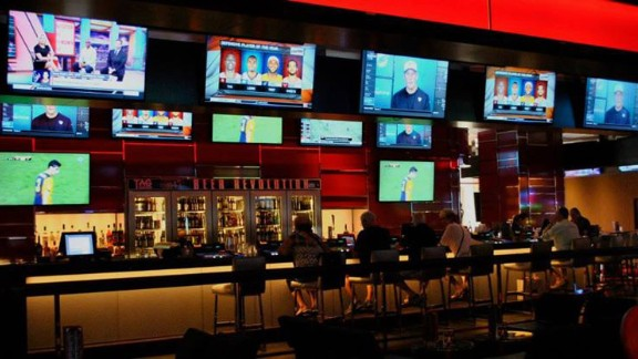 """<a href=""""http://www.caesars.com/linq/things-to-do/tag-lounge-bar.html#.VGE1G2fd3Oc"""" target=""""_blank"""" target=""""_blank""""><strong>Tag Sports Bar</strong></a><strong>: Las Vegas, Nevada</strong>"""