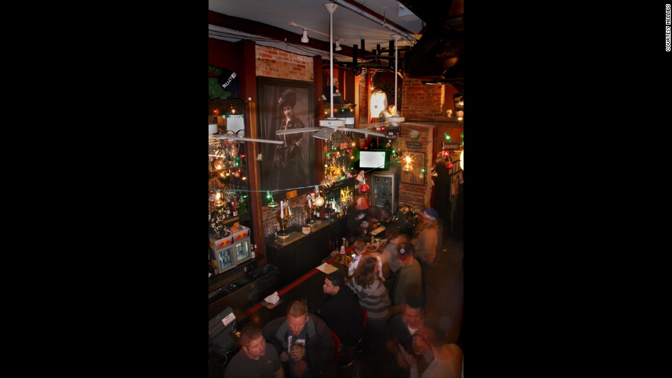 "<a href=""http://www.nelliessportsbar.com/"" target=""_blank""><strong>Nellie's Sports Bar<strong></a></strong>: Washington, D.C.</strong>"