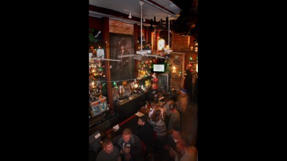 """<a href=""""http://www.nelliessportsbar.com/"""" target=""""_blank"""" target=""""_blank""""><strong>Nellie's Sports Bar</strong></a><strong>: Washington, D.C.</strong>"""
