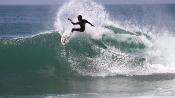 Welcome to Dakar, the vibrant home of a growing community of surfers taking advantage of the warm weather, year-round waves and cheap flights. This city is fast becoming the go-to place for surf enthusiasts looking for an uncrowded beach to hone their craft.