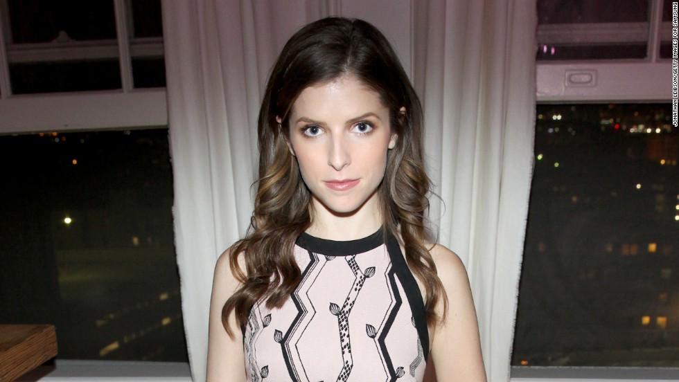 Anna Kendrick attends a dinner on November 16 in Los Angeles, California.