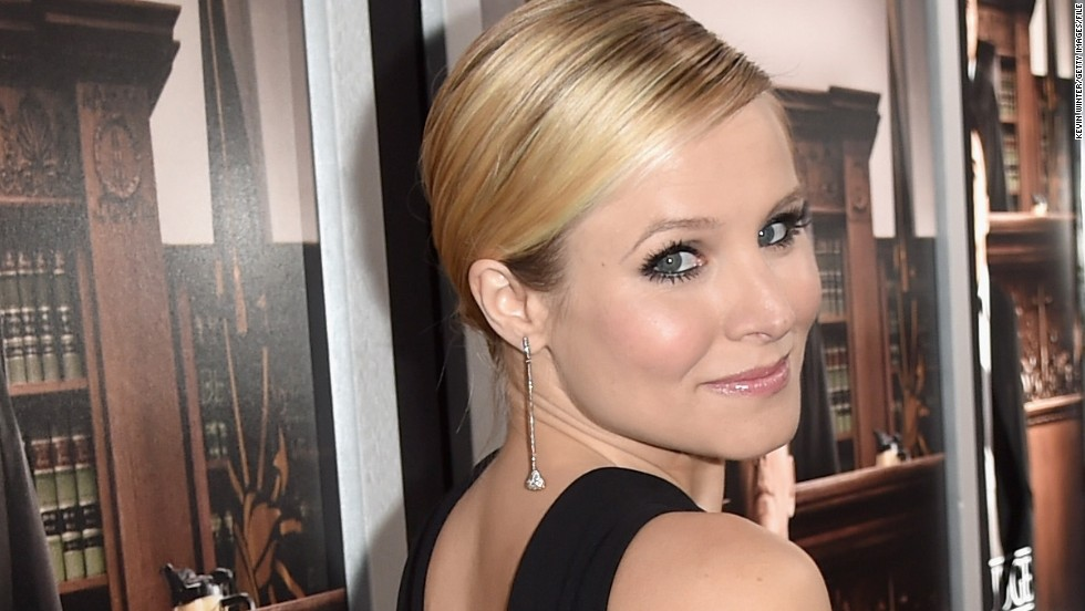 "During her second pregnancy, Kristen Bell wanted to do something to support other expectant moms. In November 2014, <a href=""http://abcnews.go.com/Entertainment/kristen-bell-donates-91500-worth-baby-supplies-mothers/story?id=27009458"" target=""_blank"">she donated $91,500</a> worth of nursing bras and breast pumps to new moms in need."