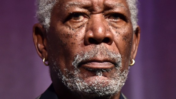 A private plane carrying actor Morgan Freeman made a forced landing in Mississippi.