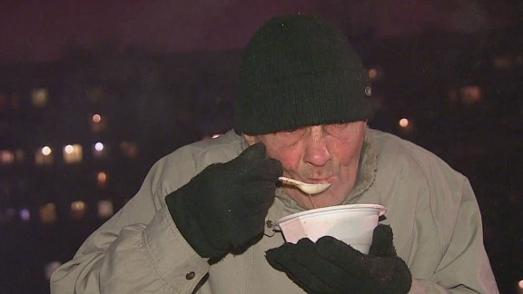 nr pkg chance russia homeless economy _00021424.jpg