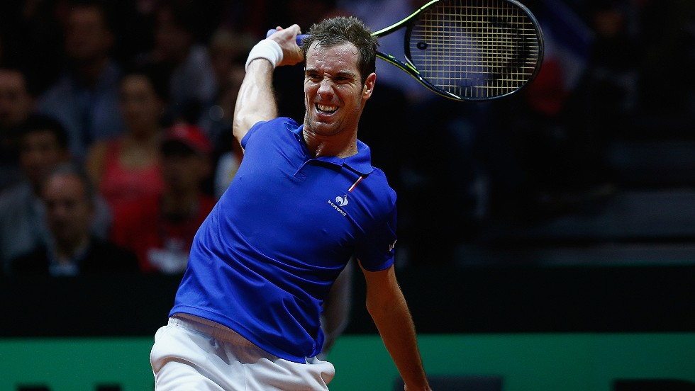 Frenchman Richard Gasquet was no match for Federer in the fourth rubber. The Swiss world No.2 beat him 6-4 6-2 6-2 to seal victory for Switzerland.