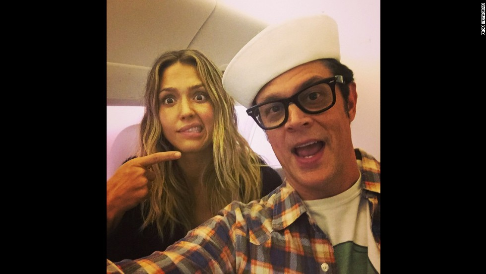 """Uh oh -look who's on my flight,"" <a href=""http://instagram.com/p/vnHhpeMupu/?modal=true"" target=""_blank"">said actress Jessica Alba,</a> pointing to actor Johnny Knoxville on Thursday, November 20."