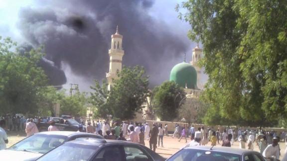 nr nigeria mosque bombing benjamin simon intv_00005502.jpg
