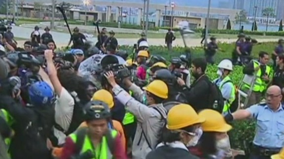cnni bpr intv hong kong protests broken up by police_00002409.jpg