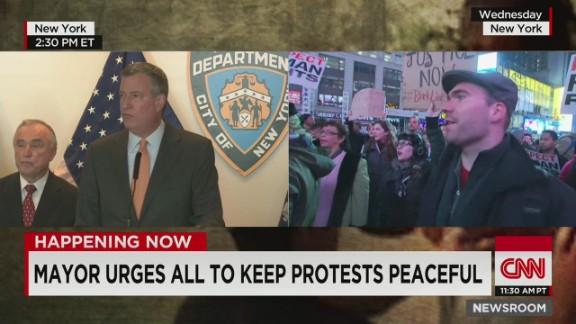 nr de blasio bratton garner protests nyc police_00013720.jpg