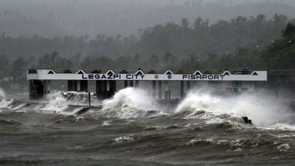 Typhoon Hagupit whips up waves in Legazpi on December 7.