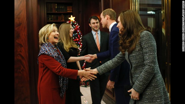 NEW YORK, NY - DECEMBER 08:   (L-R) Hillary Rodham Clinton, Chelsea Clinton, Marc Mezvinsky, Prince William, Duke of Cambridge and Catherine, Duchess of Cambridge attend a reception co-hosted by the Royal Foundation and the Clinton Foundation at British Consul General's Residence on December 8, 2014 in New York City.  (Photo by Eduardo Munoz Alvarez - Pool/Getty Images)