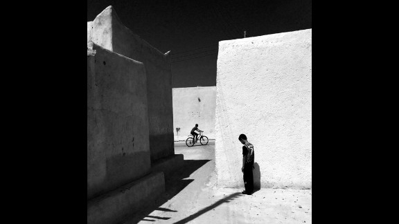 An alley in an old part of Kish Island by Ako Salemi (Iran)