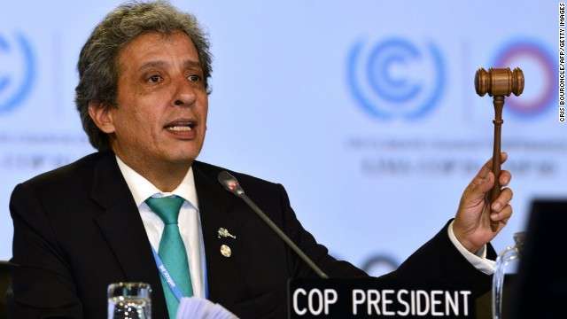 Peru's Minister of Environment Manuel Pulgar closes debate on the document.