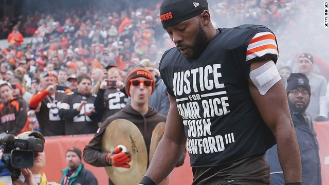 Browns' player protests Tamir Rice death