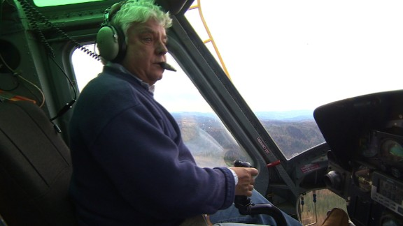 """A new CNN special report, """"Extraordinary People,"""" showcases five noteworthy people who did something remarkable in 2014. One, helicopter pilot Gary Dahlen, braved smoke and flames in September to rescue 12 firefighters who were trapped by a California forest fire."""