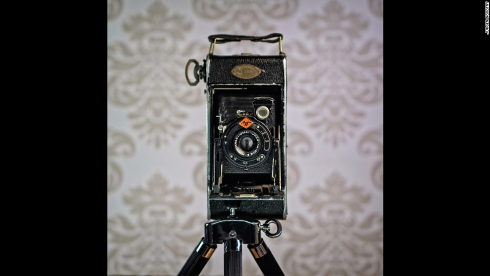 This Agfa Billy model was produced in the 1930's.