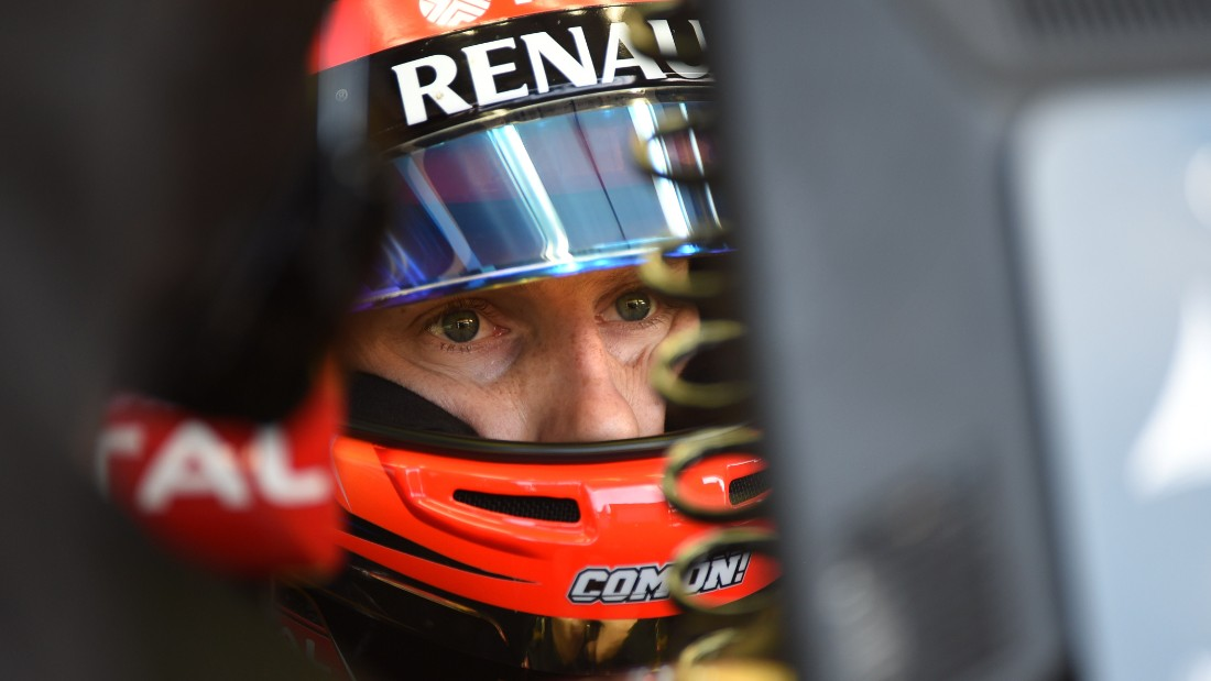 Lotus' Romain Grosjean admitted it was difficult to get close to race drivers when he was a reserve, largely because they felt threatened he was out to take their seat.