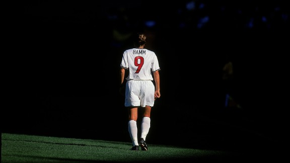 Is this the greatest U.S. soccer player of all time? Mia Hamm is a world and Olympic champion who was a prolific goalscorer during a lengthy playing career.