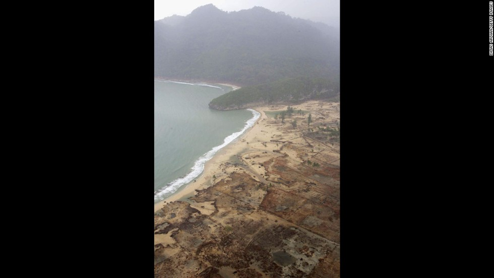 An aerial shot shows devastation caused by the Indian Ocean tsunami to the west of Aceh on January 8, 2005, in Banda Aceh, Indonesia. Indonesia, Thailand and Sri Lanka were the countries most affected by the December 26 earthquake-tsunami.
