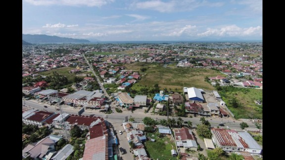 A present-day aerial view of Banda Aceh shows great improvement.