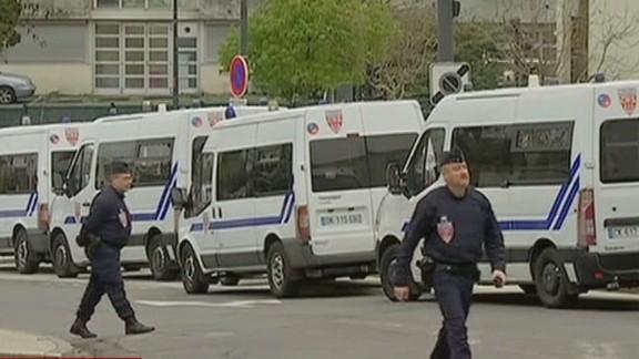 newscenter.bitterman.france.battle.terrorism_00003221.jpg
