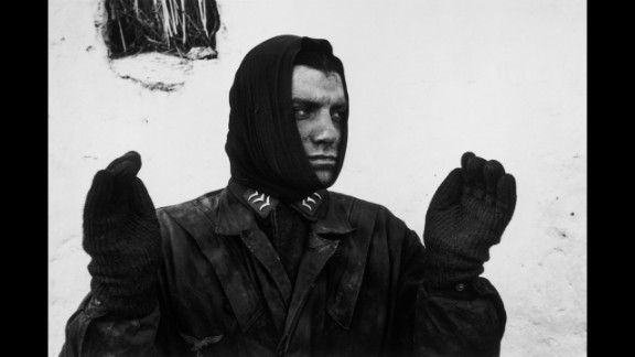 The only way Capa would photograph Germans during the war was if they were prisoners.