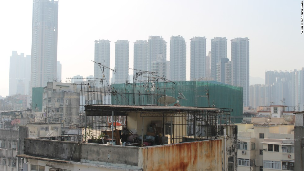 Rooftop houses are usually found in Hong Kong's old urban areas such as Sham Shui Po, Yau Ma Tei and Kwun Tong. These structures hailing from the 1950s that made room for the influx of immigrants still remain, even though it is illegal to construct additional structures on top of buildings.