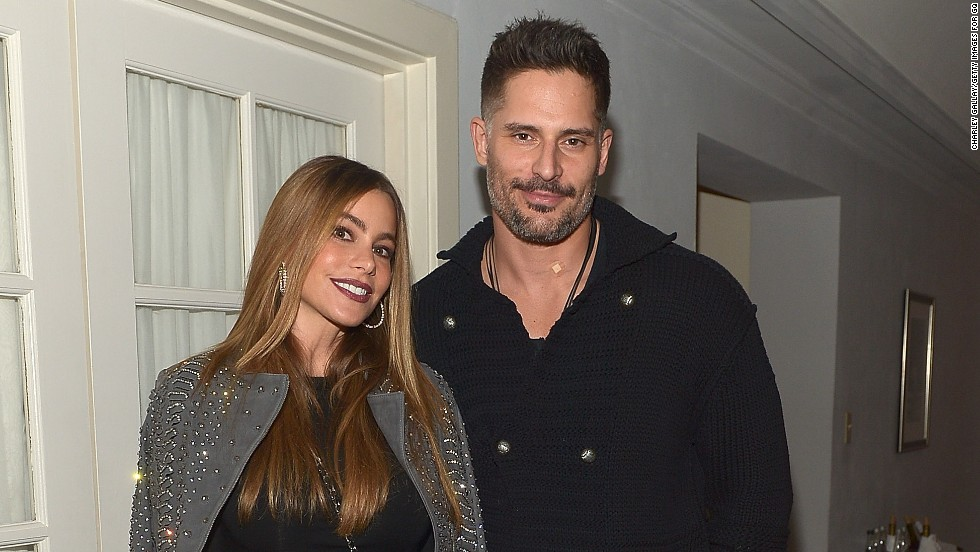 """True Blood"" star Joe Manganiello<a href=""http://www.people.com/article/sofia-vergara-engaged-joe-manganiello?xid=rss-topheadlines"" target=""_blank""> reportedly popped the question</a> to ""Modern Family"" star Sofia Vergara with a <a href=""http://www.dailymail.co.uk/tvshowbiz/article-2890249/Sofia-Vergara-42-flashes-diamond-ring-Hawaiian-vacation-beau-Joe-Manganiello-38.html"" target=""_blank"">gorgeous diamond ring</a> during a romantic vacation at a Hawaiian resort on Christmas Day 2014."