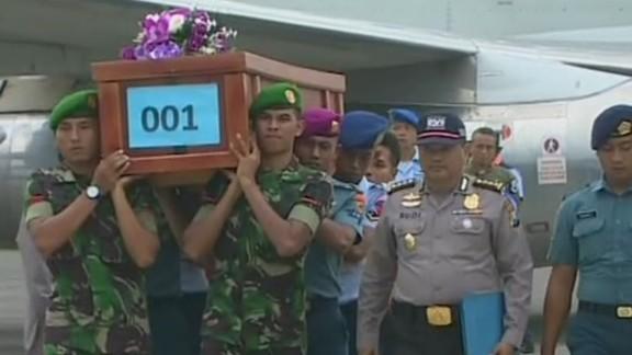 newday tuchman flight 8501 bodies returned_00000718.jpg