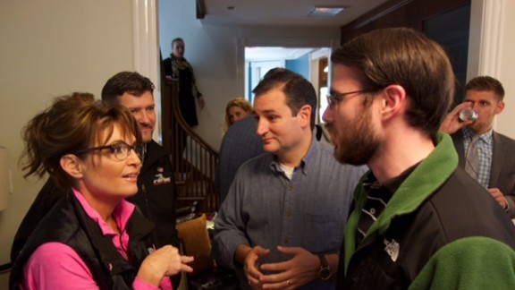 Perry discusses Facebook strategy with Cruz and Sarah Palin.