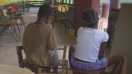 cnni elbagir interview couple helping ebola orphans_00012006