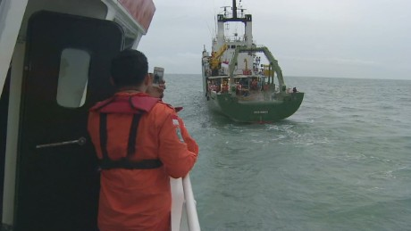 CNN joins search crew looking for AirAsia flight