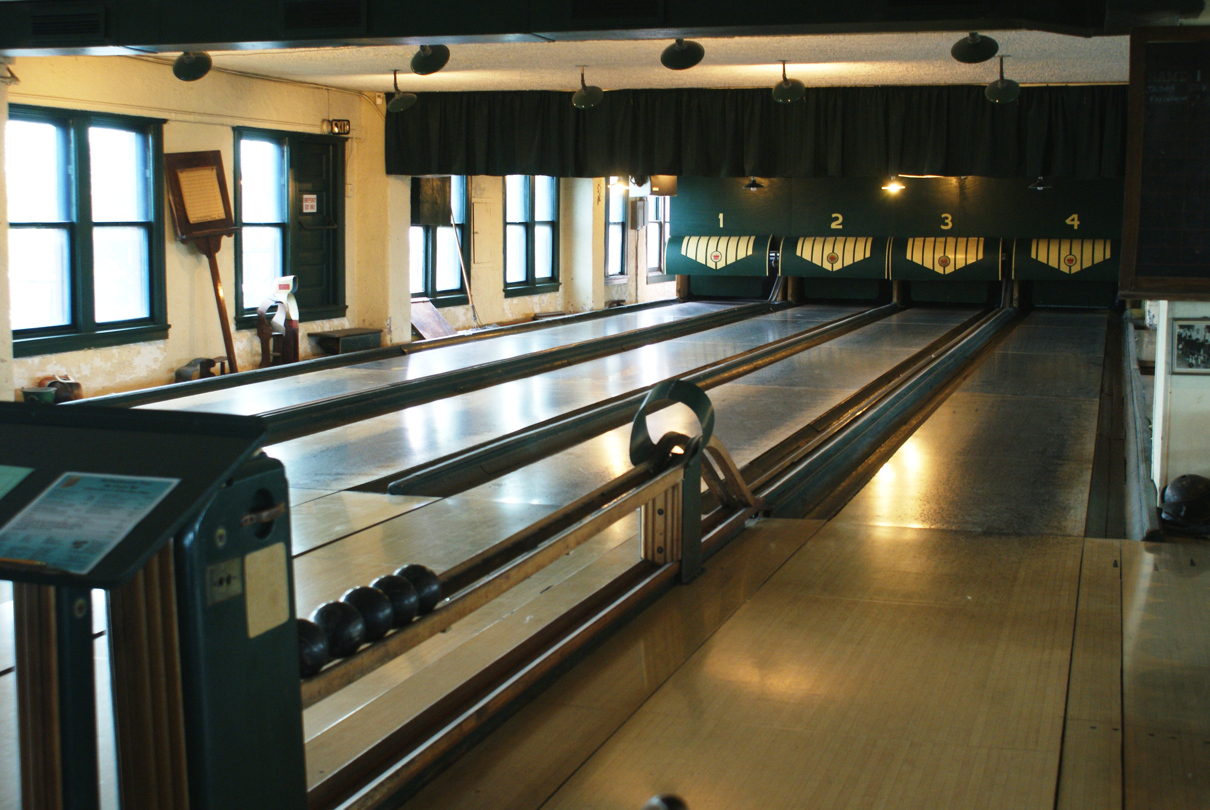 America s best old fashioned bowling alleys