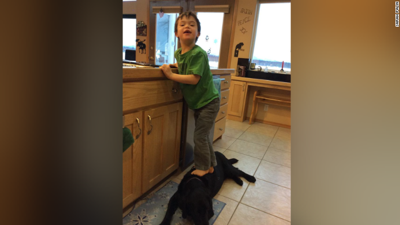 Palin slams PETA over photo