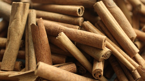 Your favorite spices and flavors like cinnamon, ginger and dark chocolate can reduce inflammation and help reverse insulin resistance and other symptoms related to obesity, according to Zinczenko.