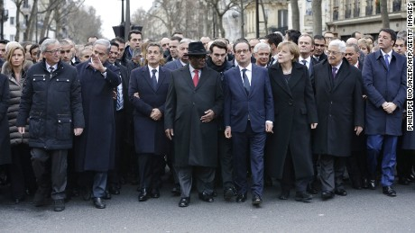 The unaltered photo of leaders during the march.