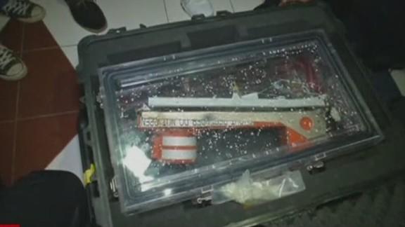es lklv molko airasia fuselage recorder found_00002403.jpg