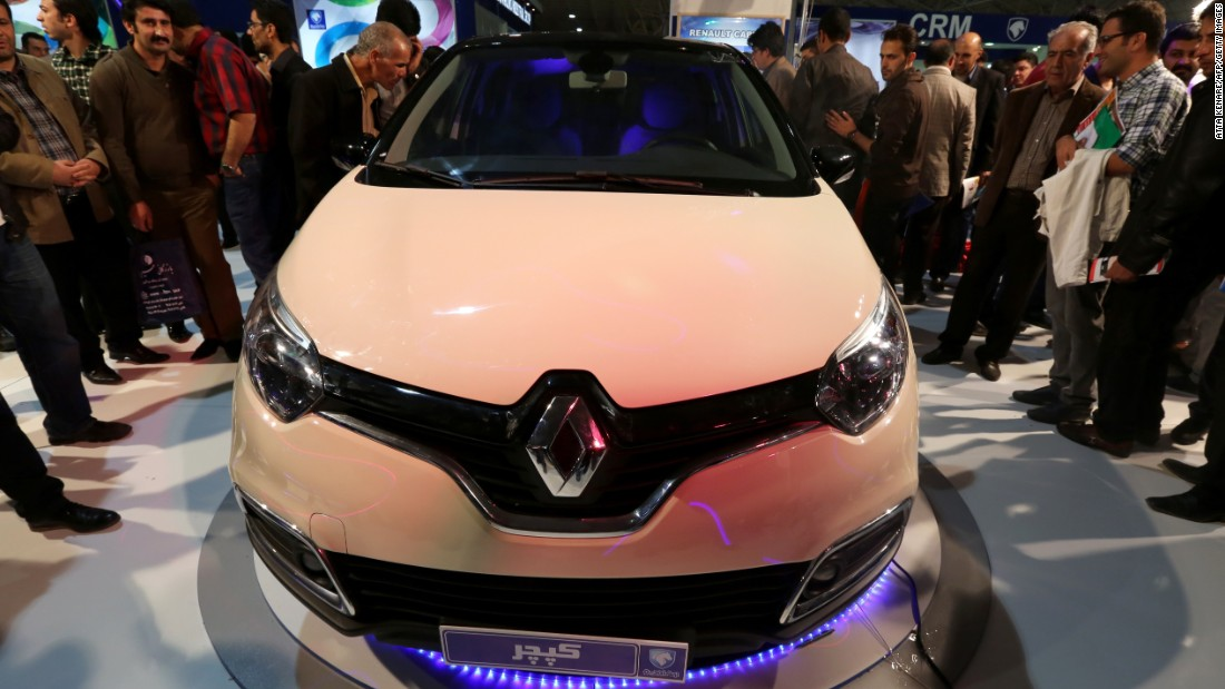 The Captur urban crossover, manufactured by Renault in collaboration with Iran's automaker Iran Khodro, during the International Car Exhibition in the northern city of Tabriz on October 14, 2014