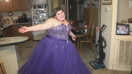 dnt tn teen bullied for selling prom dress on facebook_00012804