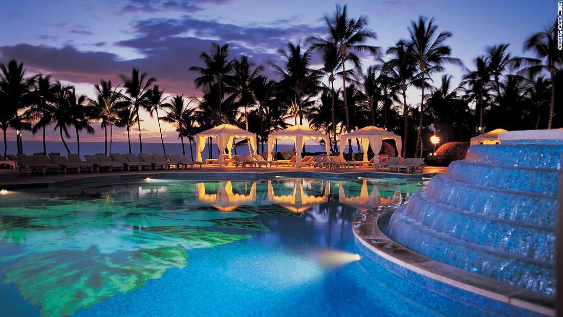 Las mejores piscinas de hoteles for Hoteles en el agua maldivas