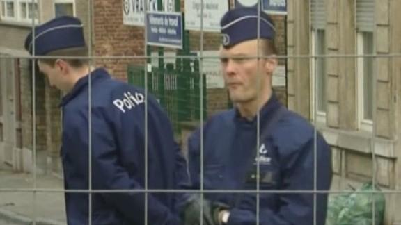 tsr dnt brown paris suspect in custody_00021506.jpg