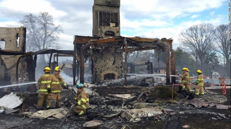 'Suspicious' fire engulfs mansion, 6 missing