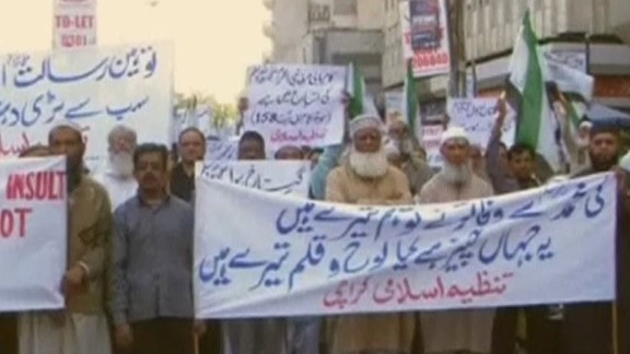 erin pkg lah charlie hebdo protests_00005613.jpg