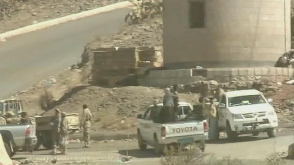 tsr dnt paton walsh yemen chaos_00002004.jpg