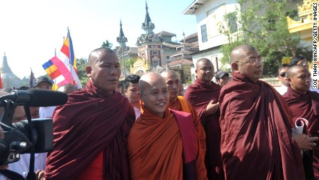 Wirathu (center) at a protest against visiting U.N. Special Rapporteur on Myanmar, Yanghee Lee.