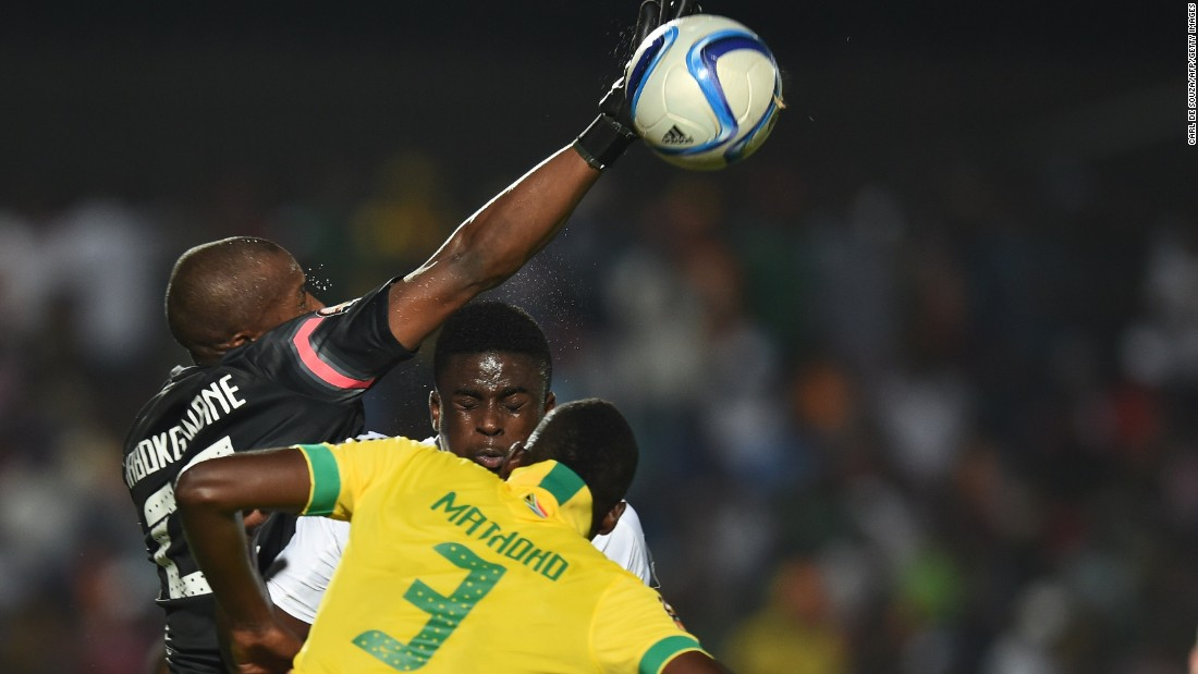 Senegal moved top of Group C after coming from behind to secure a 1-1 draw against South Africa.