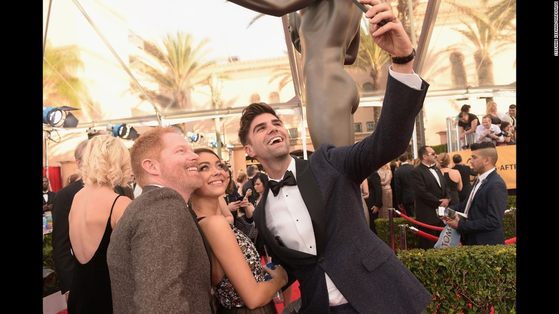 From left, Jesse Tyler Ferguson, Sarah Hyland and Justin Mikita