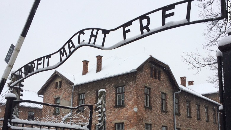 Soviet veteran remembers horrors of Auschwitz
